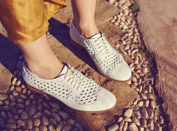 Atelier Bocage propose un service de location de chaussures
