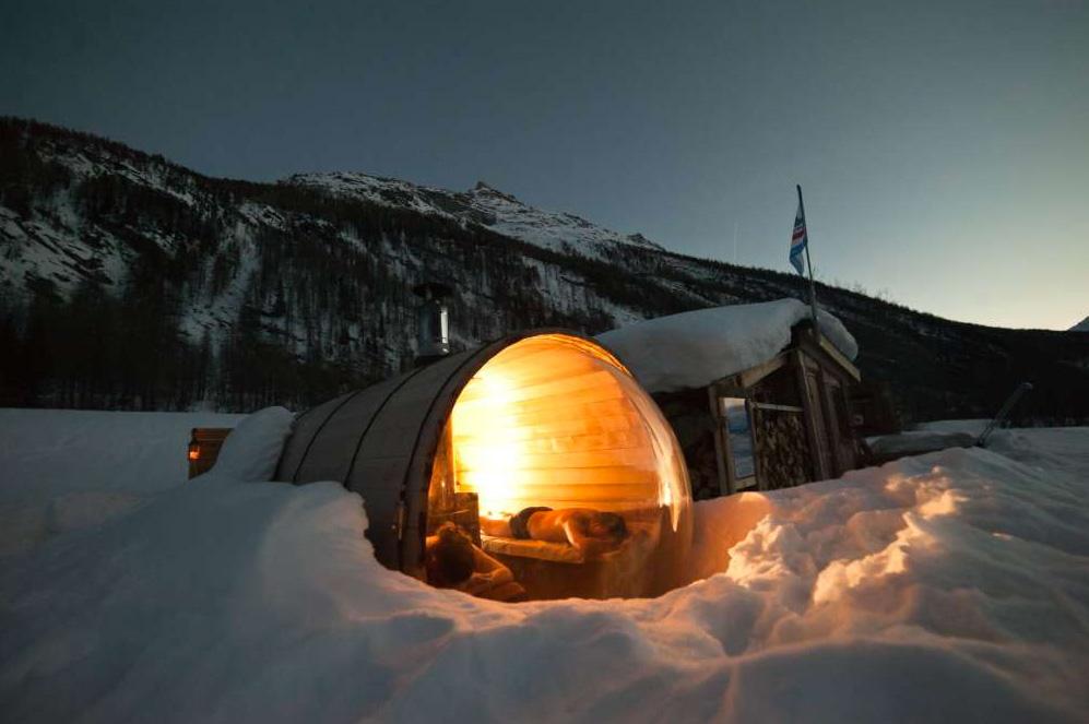 Insolite / Bien-être • Séance de sauna… cosmic à Bessans en Savoie