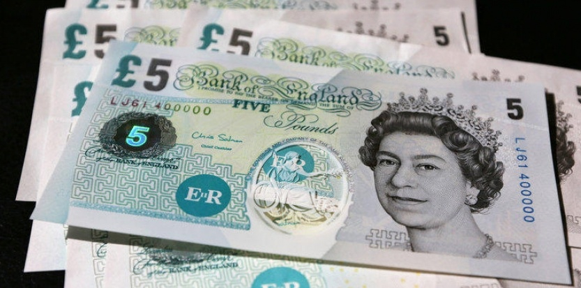 Futur collector : le Billet de 5 et 10 livres sterling en plastique !
