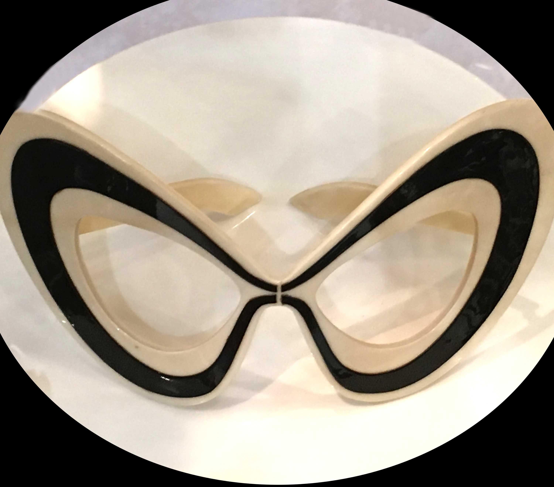 Meyrowitz lance son musée de lunettes (75)
