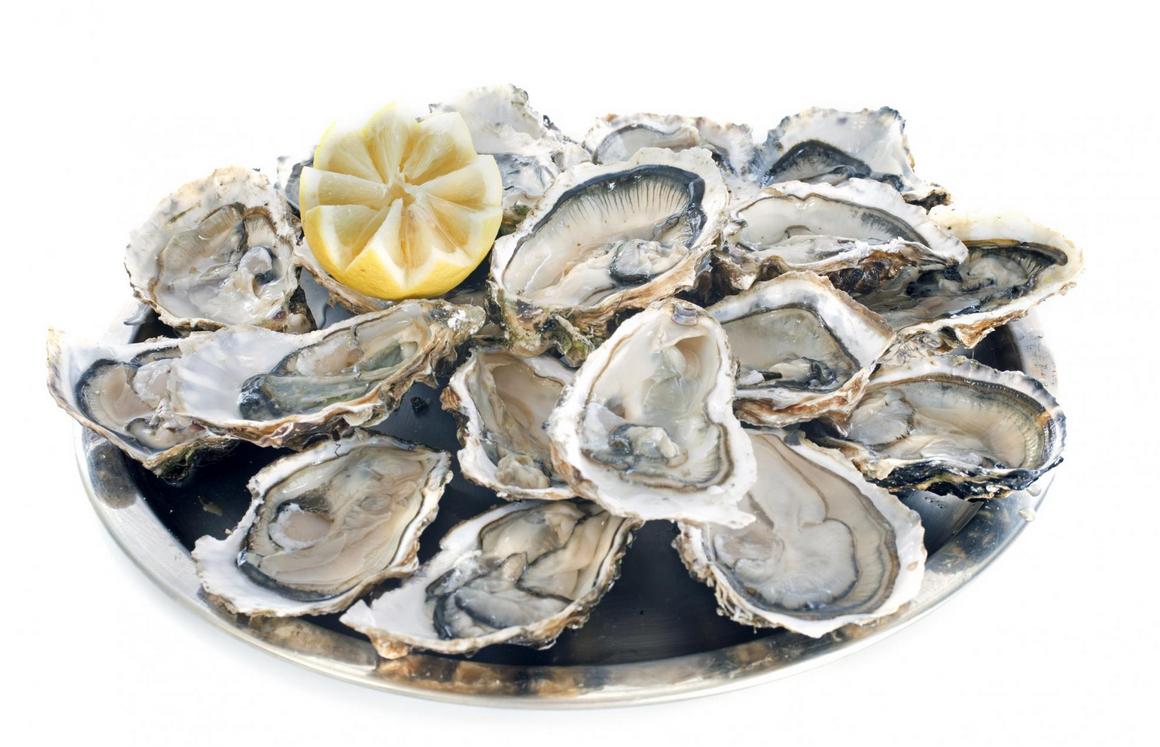 Comment ouvrir les huîtres sans se blesser ? Mode d'emploi…