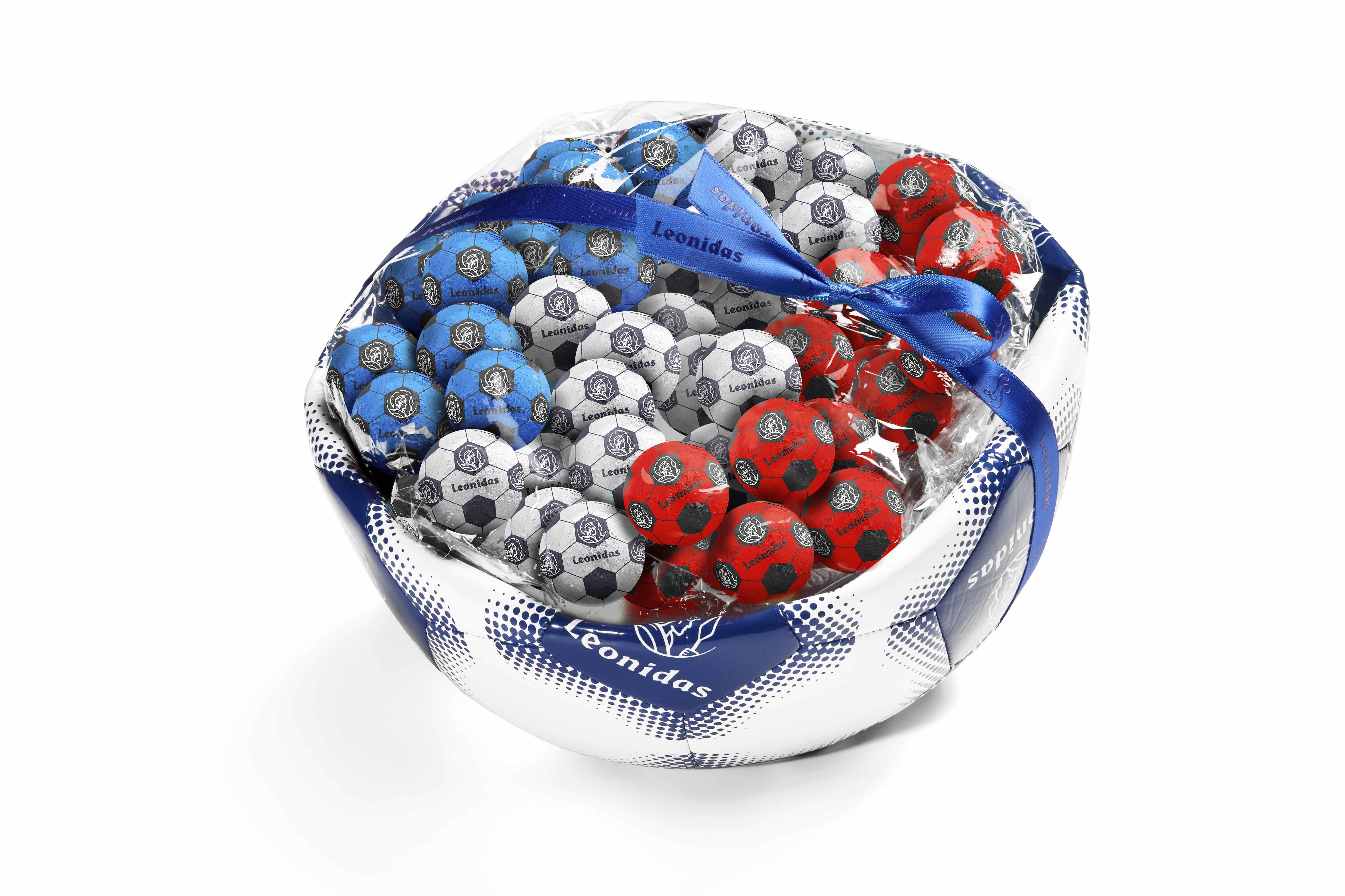Léonidas lance des ballons de football en chocolat pour la coupe du monde  !