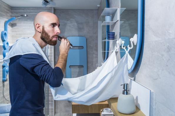Le bavoir à barbe, l'accessoire indispensable des barbus